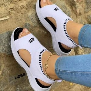 Shoes - Nike Sandals
